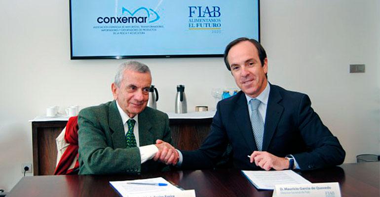 José Luis Freire, presidente de Conxemar, y Mauricio García de Quevedo, director general de FIAB, durante la fimar de este acuerdo.