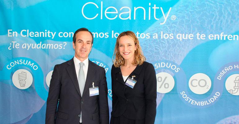 Mauricio García de Quevedo, director general de FIAB, junto a Mariam Burdeos, directora de Cleanity